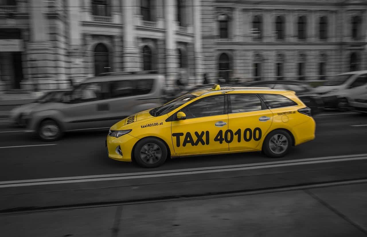 איך מזמינים מונית גדולה בחולון